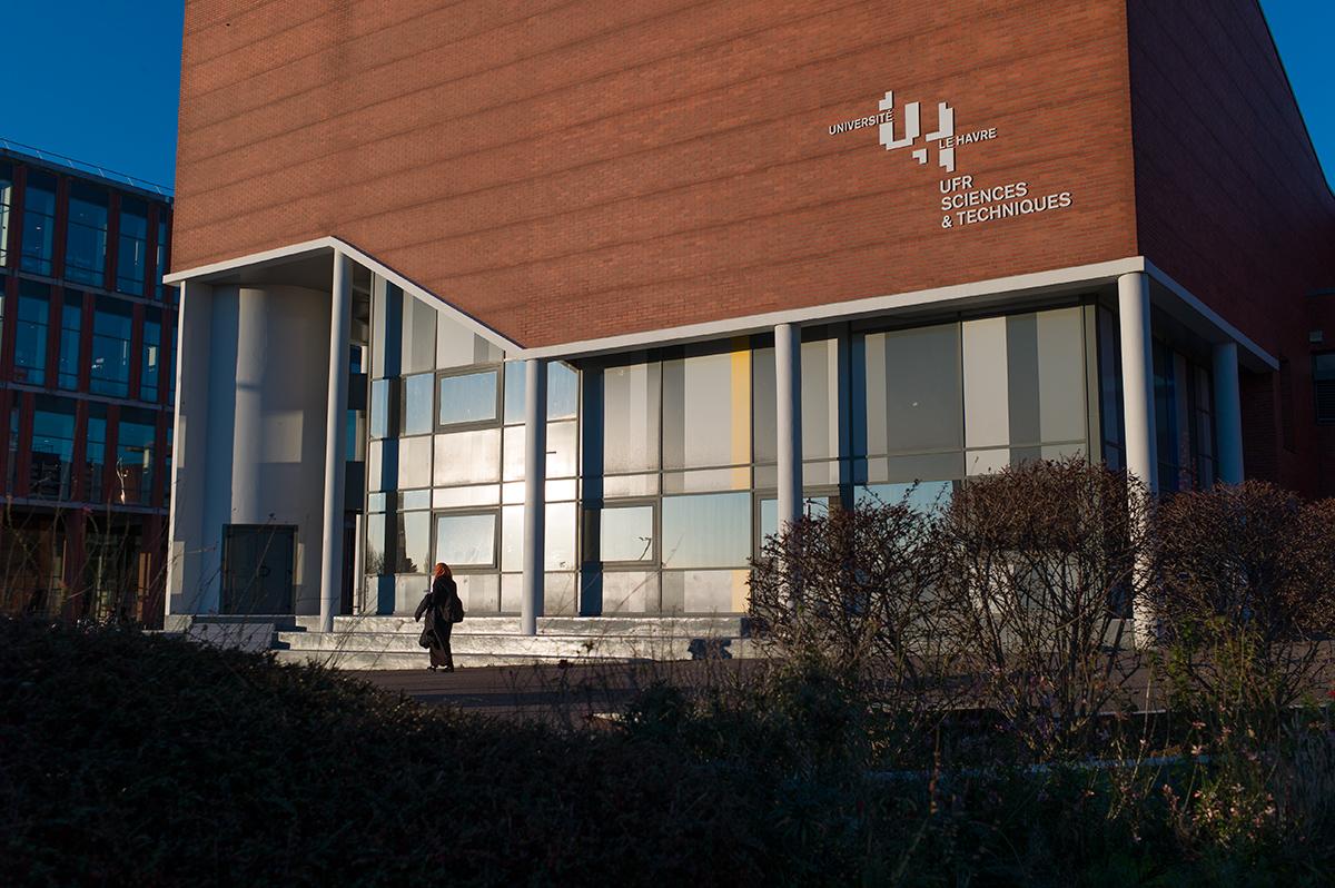 Virgile Laguin – Diary | 10.01.2016 | Signalétique université Le Havre | Identity, Signage